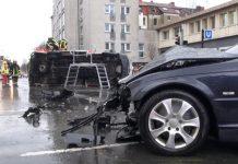 Die beiden zerstörten Fahrzeuge an der Unfallstelle Bild: (Alle Rechte vorbehalten) René Werner, IDANewsMedia