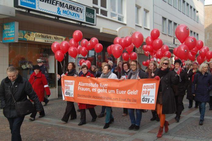 Gestartet wird am 16. März 2018, mit einem Marsch durch die Stadt Bild: Stadt Dortmund