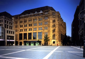 Das Museum für Kunst und Kulturgeschichte präsentiert sich im formvollendeten Art-Déco Bau der golden 20er Jahren. Bild: MKK
